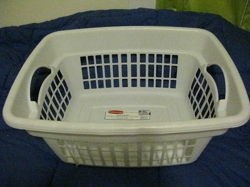 35.2009 365 Empty Laundry Basket