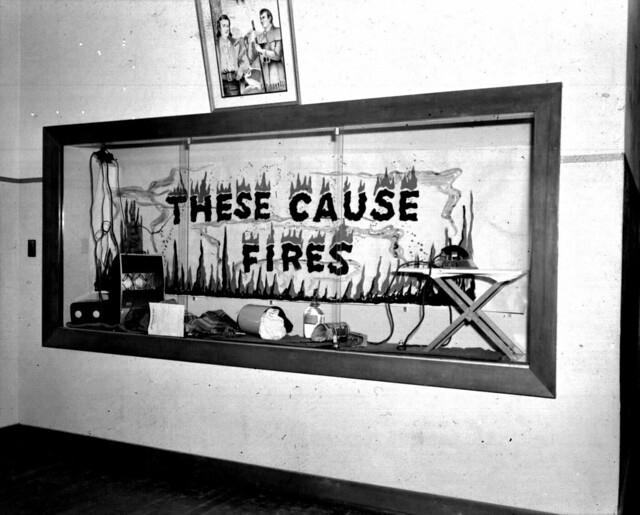 1953 JEFFERSON GRADE SCHOOL FIRE PREVENTION DISPLAY