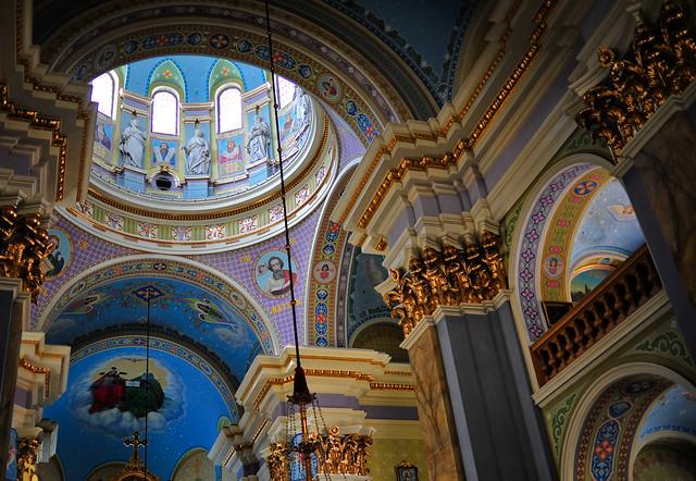 Inside orthodox church - Zeiss T* 100mmZF with Nikon D700