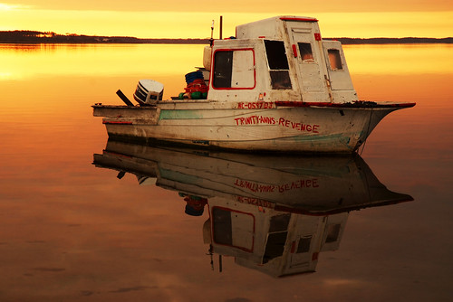 longexposure reflection sunrise boats northcarolina northriver sb800 harkersisland oysterbeds fujis5 southcorebanks