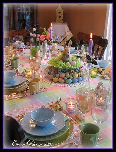 Dining delight easter fun for Easter dinner table decorating ideas