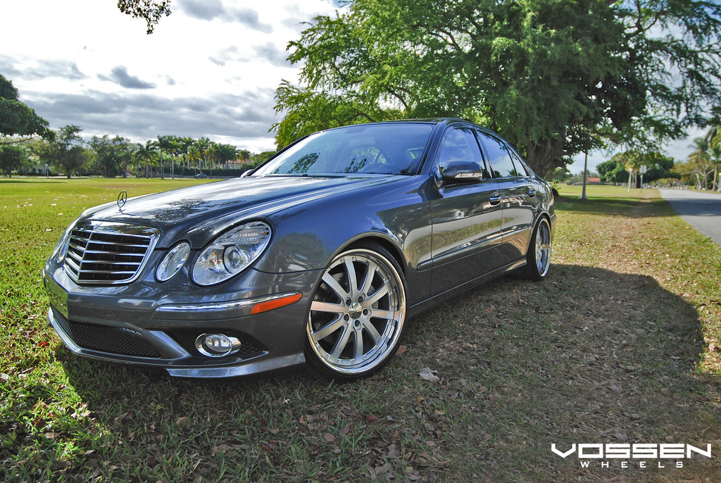 Vossen wheels mercedes benz e550 with 20 staggered vvs 083 for Mercedes benz staggered wheels