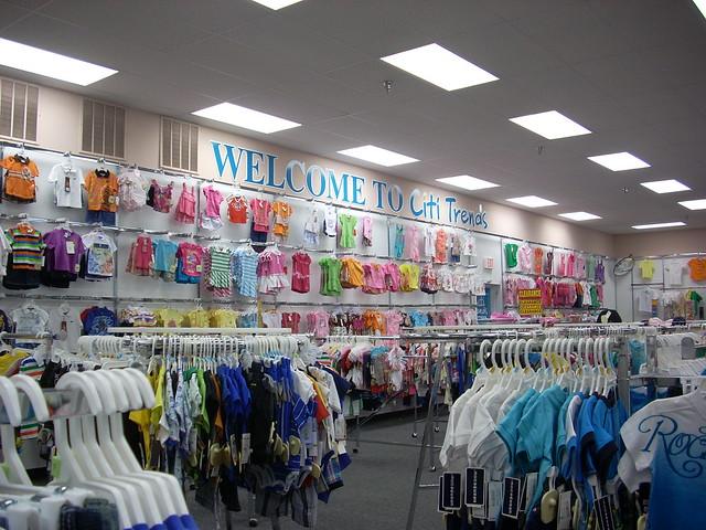 Clothing stores online. Stylish clothing stores