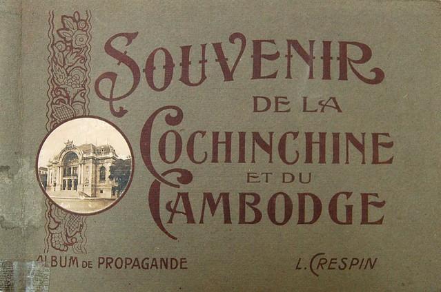 Superbe album grand format édité par Crespin, paru probablement en 1922, juste après la tournée du Maréchal Joffre en Indochine.