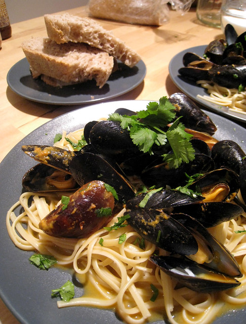 thai steamed mussels over linguine | for my fancy meal of th ...
