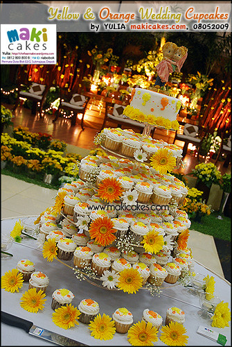 Yellow Orange Umbrella Wedding Cupcakes Maki Cakes