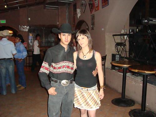 Charly Cisneros vocalista de Gunslinger Country Music y Sonia de OK Corral