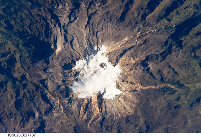 Volcano: Nevado del Ruiz, Colombia (NASA, International Space Station Science, 04/23/10)