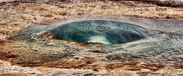 "the eye of ""geysir"""