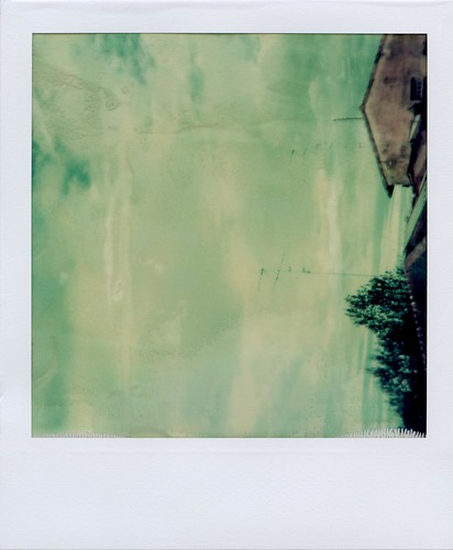 The sky's gone out [polaroid week spring 2010 / day one]