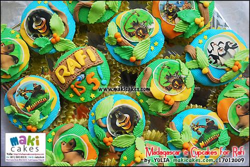 Madagascar 2 Cupcakes for Rafi_ - Maki Cakes