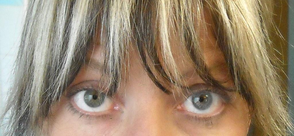 Acuvue Gray left eye