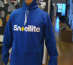 sweatshirt, polar fleece, clothing, sleeve, hoodie, outerwear, hood,