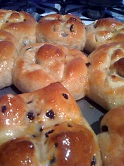baking, bread, baked goods, food, bread roll, dish, dessert, cuisine, brioche,