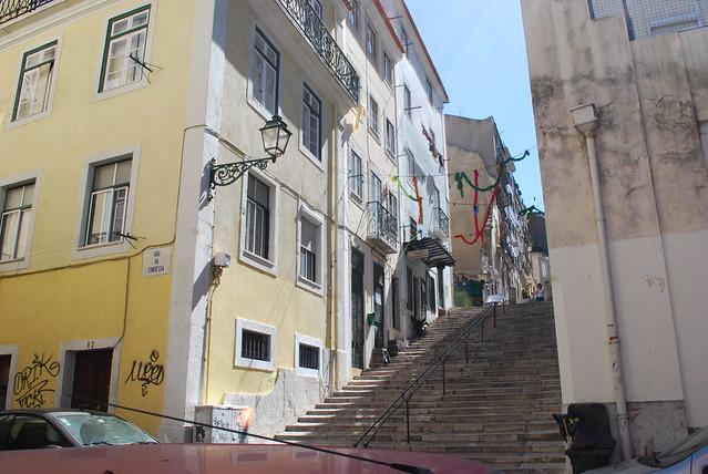 alley, Lisbon, Aug 2008