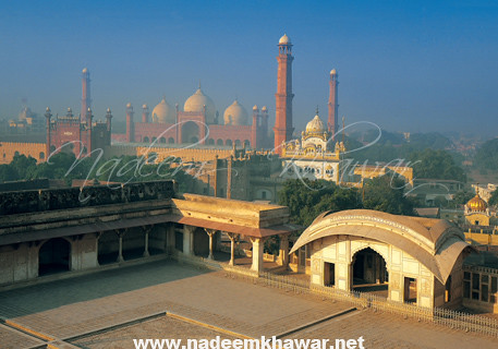 Fort+ shahi mosque copy
