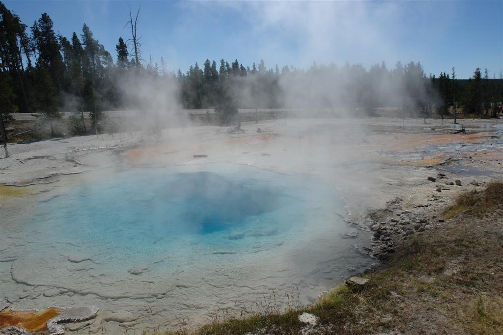 Piscinas del Norris Geyser Basin (Fountain Paint Pots) parque nacional yellowstone - 3421150392 969388e641 o - Parque Nacional Yellowstone, cómo visitarlo en dos días