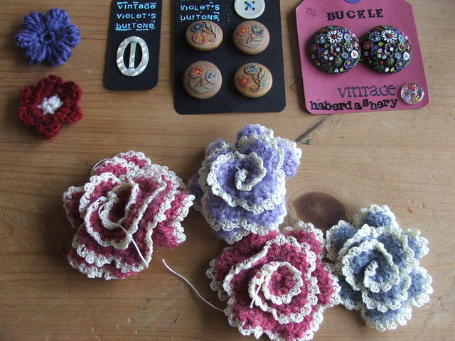 brooches`n others