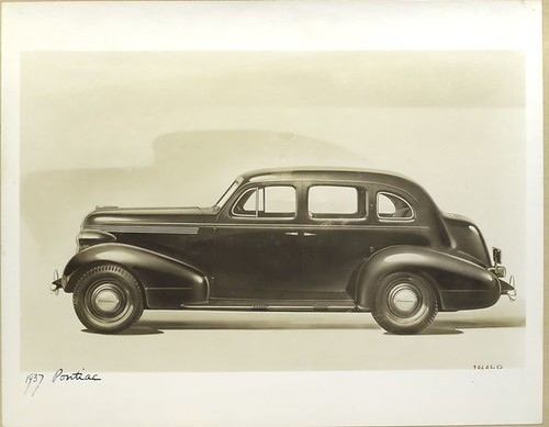 1937 Pontiac.
