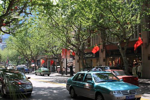 綺麗な街角だが大気汚染っという名のフィルタがすごいです