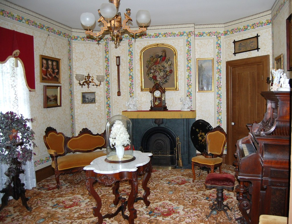 Genesee Country Museum - Hyde (octagon)  House - Parlor