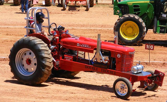 Garden Tractor Pulling Crashes : Modified tractor pull i confess when