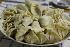 italian food, mandu, pasta, momo, wonton, food, dish, varenyky, jiaozi, buuz, khinkali, cuisine,