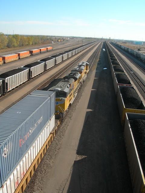 intermodal, coal and box car trains, North Platte