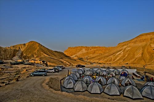 masada west night campחניון לילה מצדה מערב
