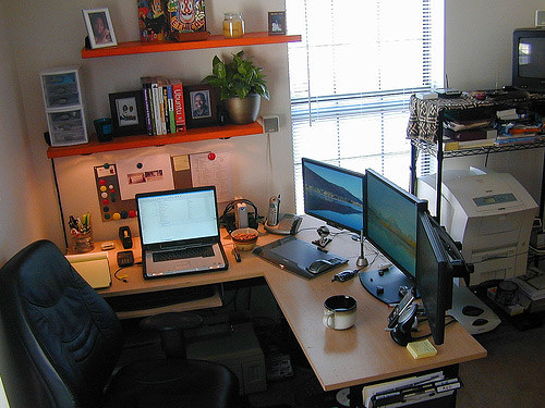 50 greatest computer workstation pc mac setups hongkiat for House building computer programs