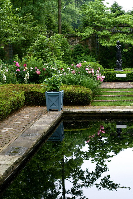 Stan hywet flickr photo sharing for Garden reflecting pool