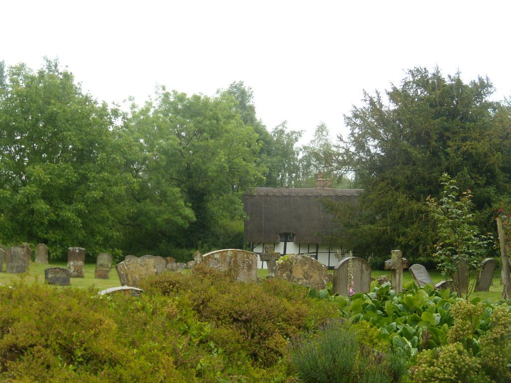 Dorchester Abbey grounds Appleford Circular