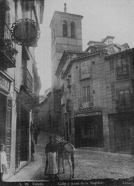 Torre y Plaza de La Magdalena (Toledo) hacia 1915. Foto Abelardo Linares. The Hispanic Society of America