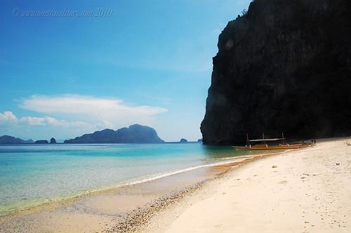 The beach of Dilumacad Island, El Nido, Palawan