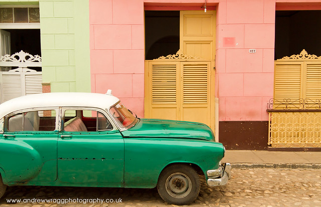 Real Cuba - Composition in Pink and Green