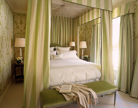 Green bedroom: Silk + velvet + damask