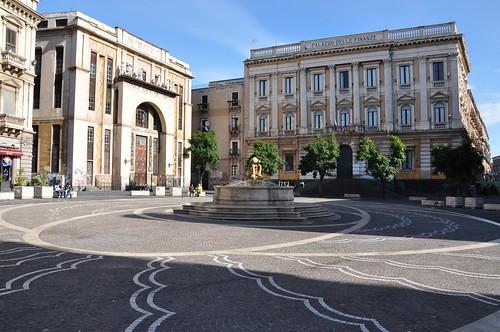 Catania, figlio dell'Imam arrestato per furto: ha entrambe le braccia ingessate$
