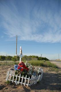 DESCANSOS (roadside memorials)