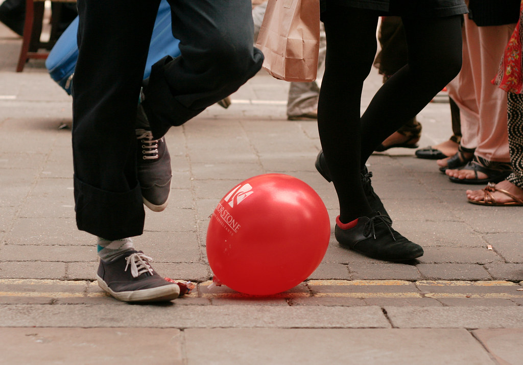 red baloon.