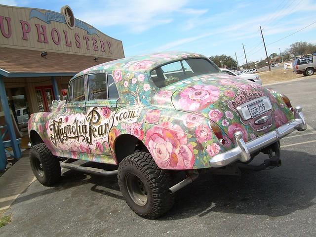 bentley spotting rose royce by magnolia pearl. Black Bedroom Furniture Sets. Home Design Ideas
