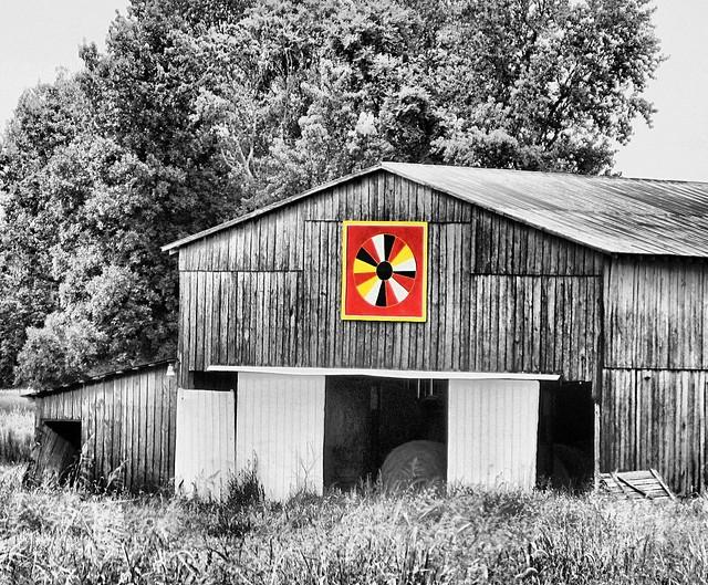Quilt Patterns On Barns In Ky : 3449589287_fd03fb0b0d_z.jpg