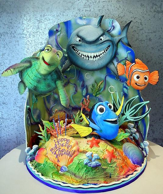 Nemo Cake: 3-D Cake Presentation As Ocean Floor With