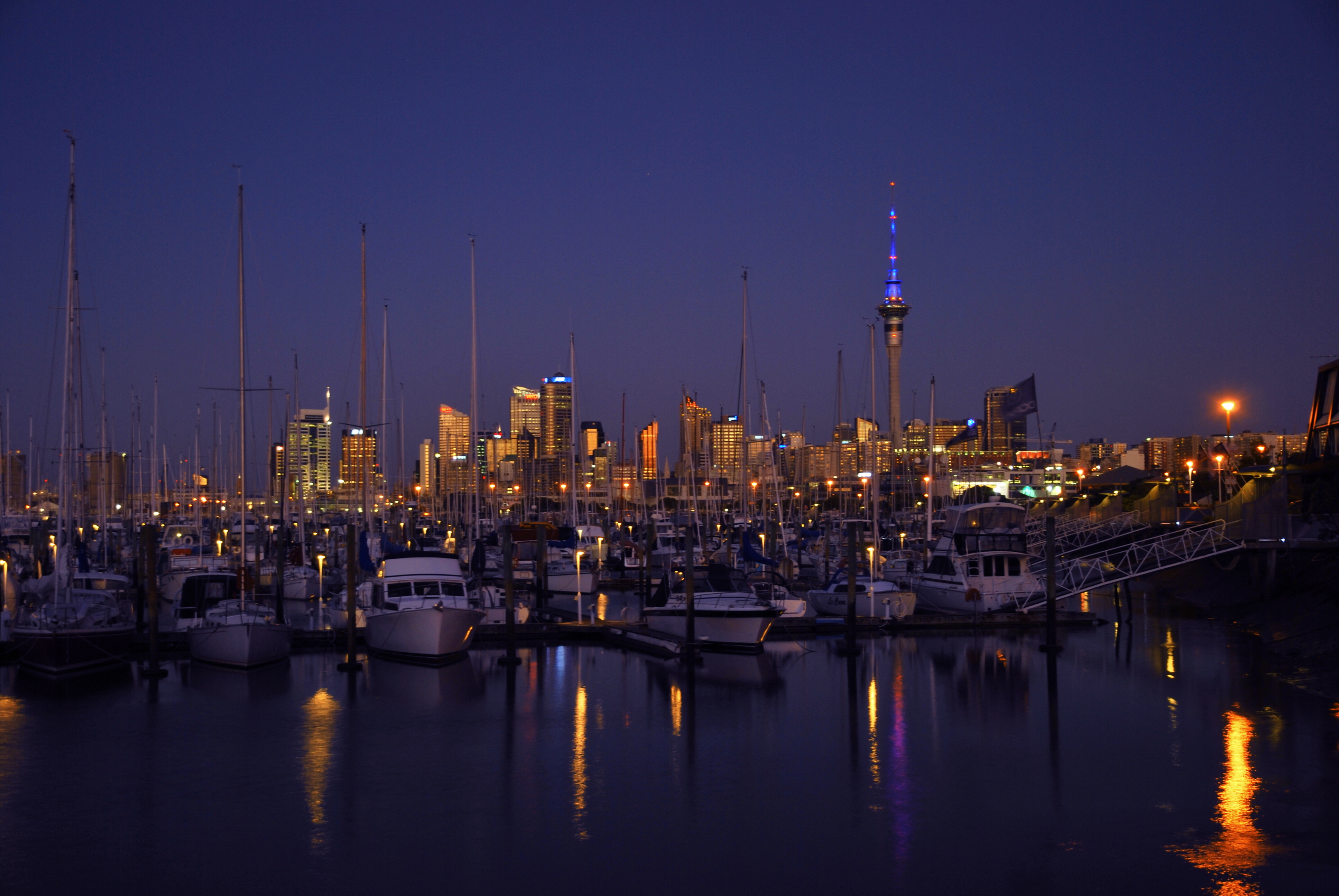 Auckland by Night - New Zealand 078