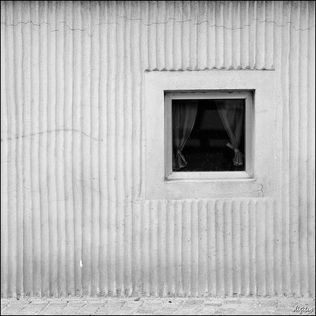 kellerfenster mit gardine basement window with curtain