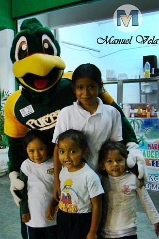 DSC03894 Pancho Perico mascota oficial del Club Pericos de Puebla Liz Vega para Mv Fotografía Profesional