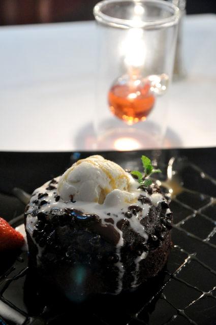 茹絲葵-魔鬼巧克力蛋糕 NT$280