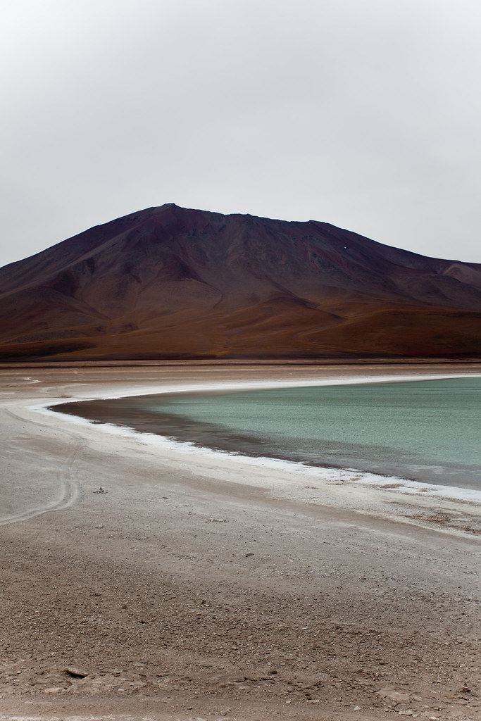 ETC INSPIRATION BLOG ART DESIGN FOOD RECIPE NATURE PHOTOGRAPHY PHOTO MOUNTAIN GREEN WATER Laguna Verde (Green Lagoon) BOLIVIA SOUTH AMERICA by Eita IMAMURA, on Flickr