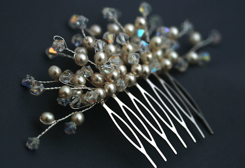 Asia comb with pearls