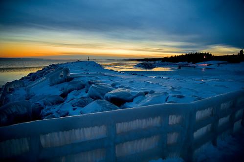 winter sunset snow cold ice freezing northshore duluth lakesuperior soe twiligh