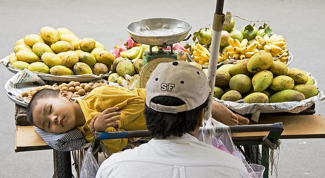 Saigon. Les fruits de la terre
